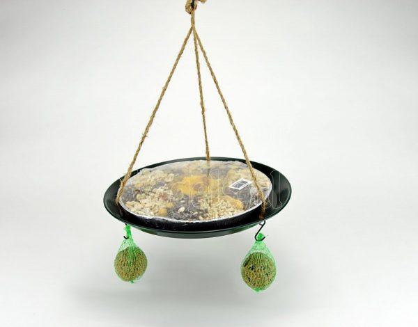 Voerderschaal-hanger met pizza en vetbollen