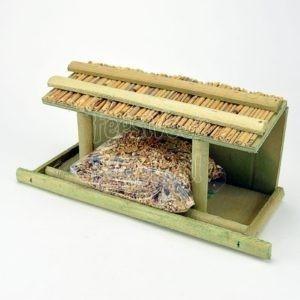 Wand-voerhuis met strooivoer
