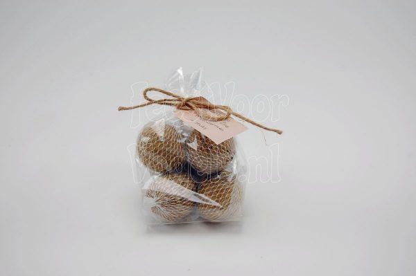 Mezenbol met meelwormen, Happy Bird