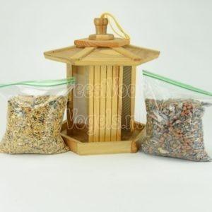 Vogelvoer dispenser met vogelvoer