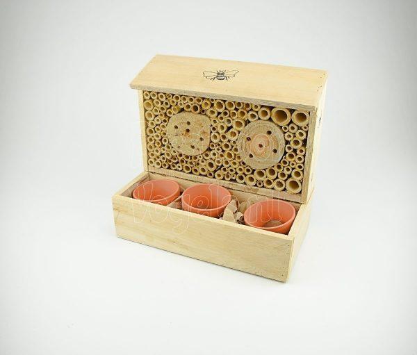 Hotel voor insecten en bijen compleet met bloemzaden mengsel