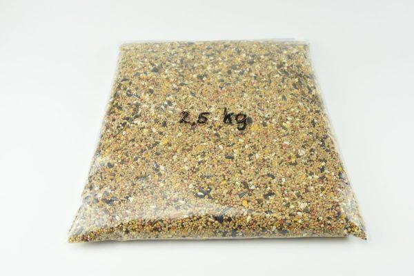 Strooivoer met gedroogde meelwormen 2,5 kg.