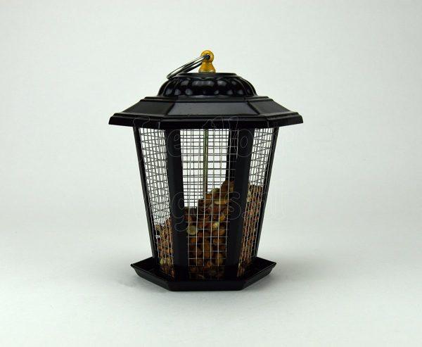Pinda voersysteem voor tuinvogels.