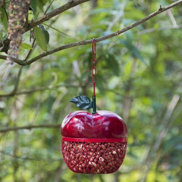 Voerhanger in appelvorm.
